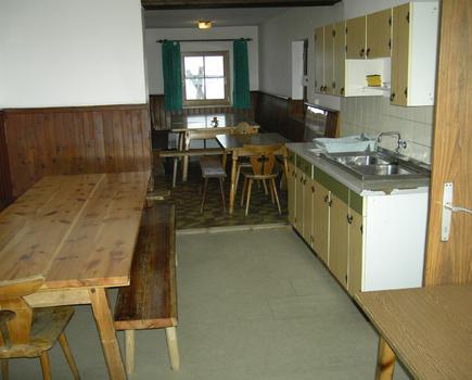 Küche mit Aufenthaltsraum