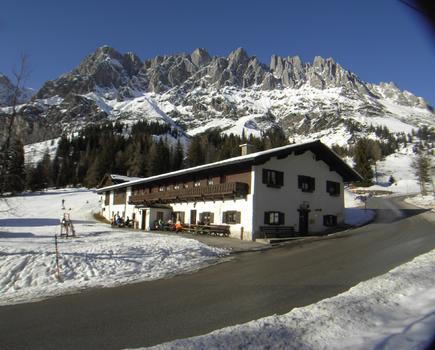 Unser Haupthaus im Winter