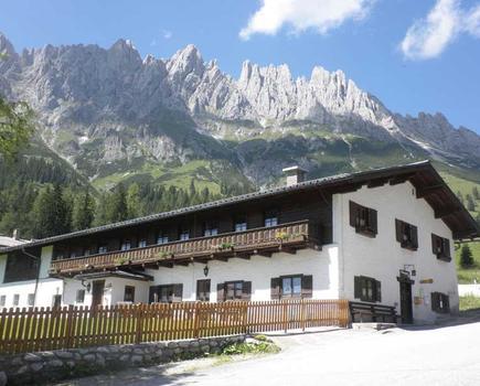 Haupthaus im Sommer